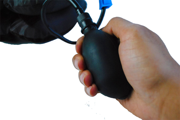 مخدة هوائية لتصحيح وضع الرقبة