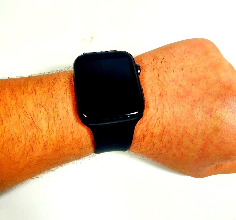 Watch F21 أسود