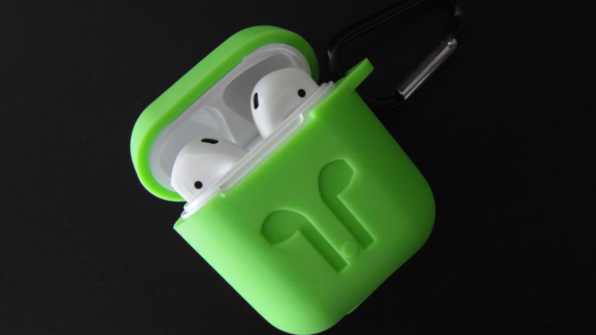 جراب Airpods أخضر
